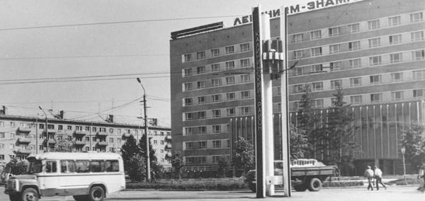 Б. Хмельницкого, 2